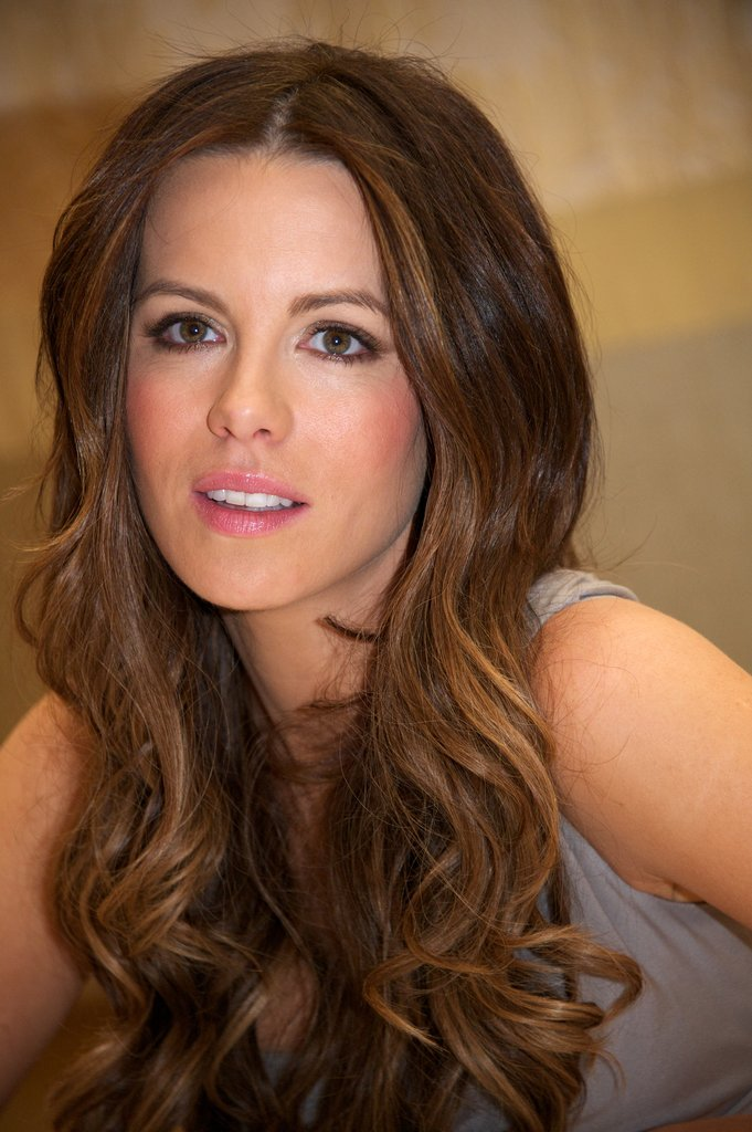 Kate Beckinsale posed in January for the Underworld: Awakening press conference.