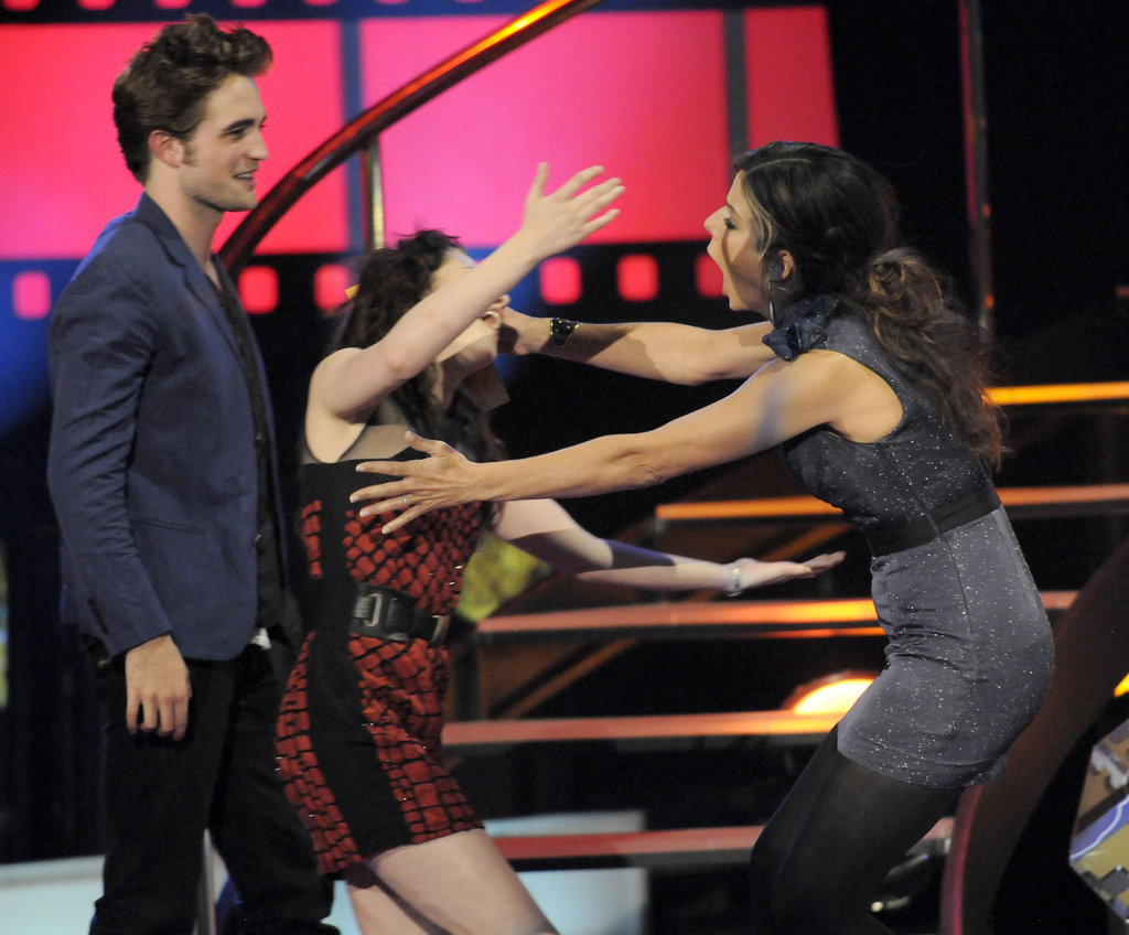 Sandra and Kristen Stewart shared a hilarious embrace during the May 2009 MTV Movie Awards in LA.