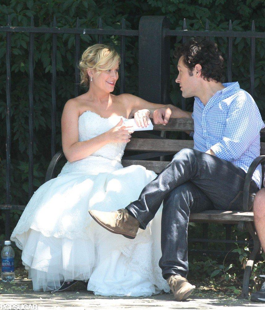 Amy Poehler Paul Rudd Kissing Pictures | POPSUGAR Celebrity