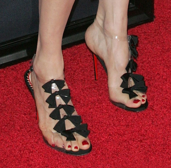 Rachel's Christian Louboutin Bow Bow sandals were simply magical.
