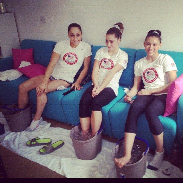 USA gymnast McKayla Maroney iced her feet with the squad. Source: Instagram user mckaylamaroney