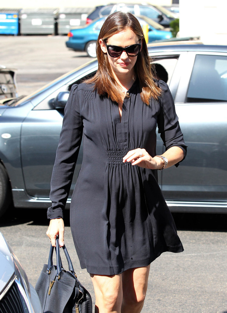 Jennifer Garner wore a long-sleeved black dress.