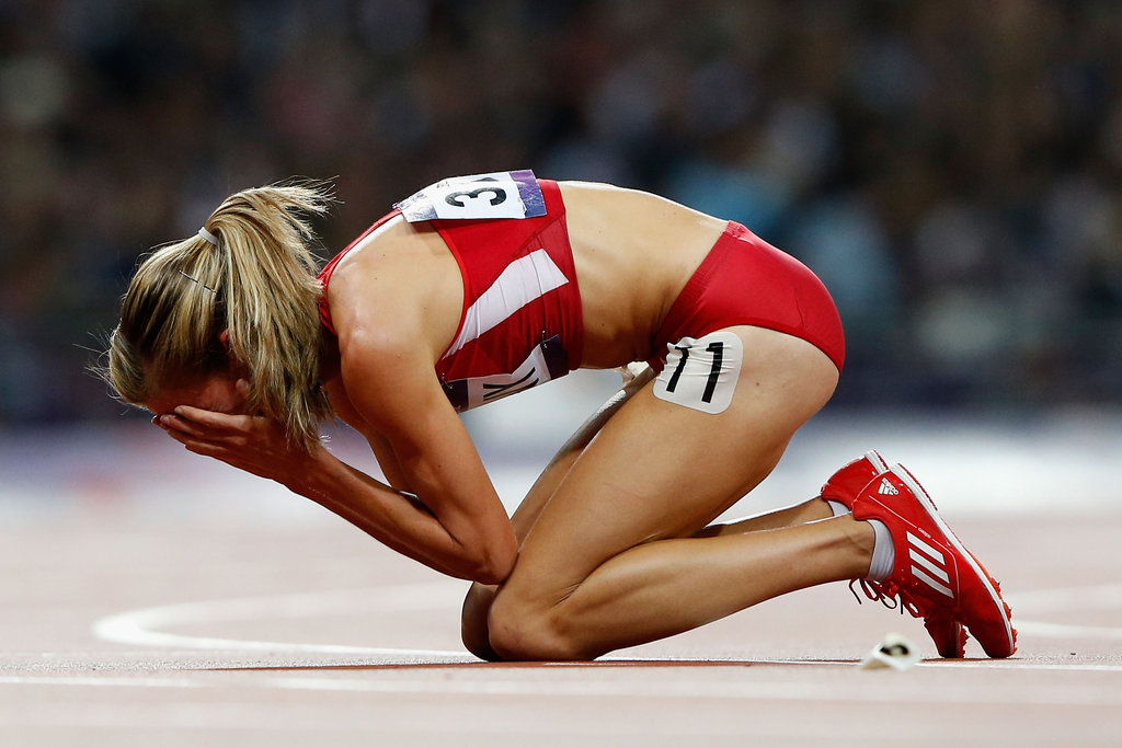 US runner Morgan Uceny got emotional after falling during the women's 1,500-meter final.