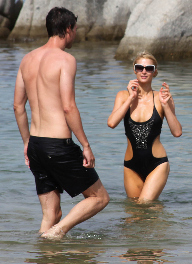 Paris Hilton and her new man cooled off in the water.