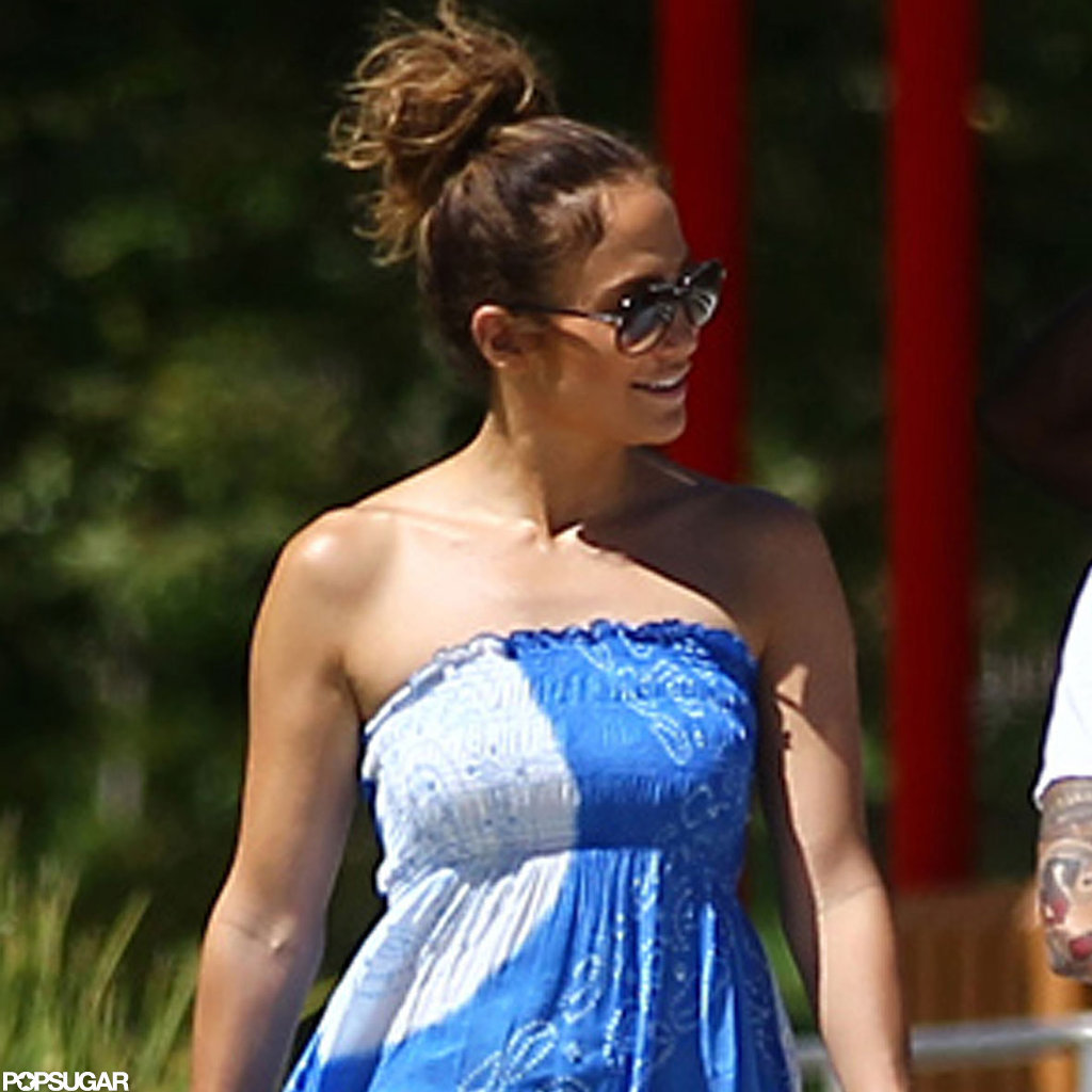 Jennifer Lopez chatted with Casper Smart.