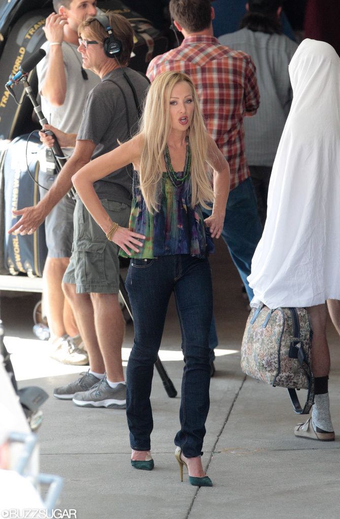 At least Portia looked stylish on set.