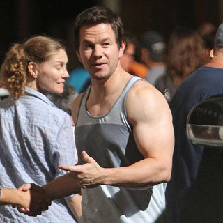 Mark Wahlberg Filming on 2 Guns Set | Pictures