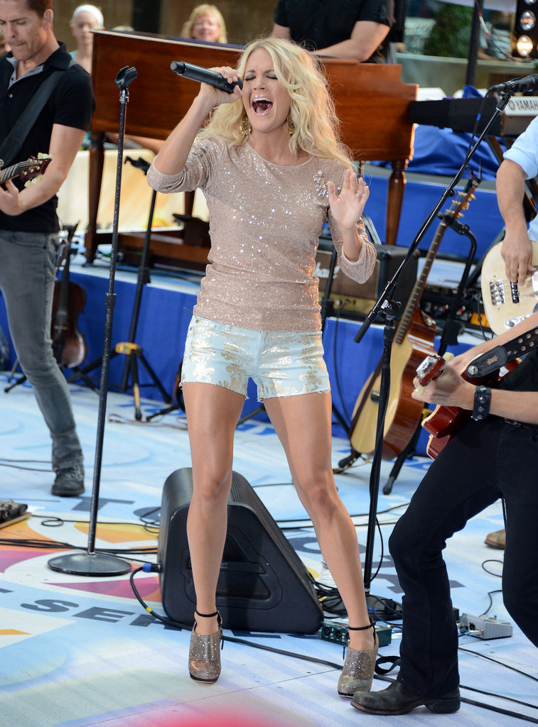 Carrie Underwood Wears Tiny Shorts to Sing on Today