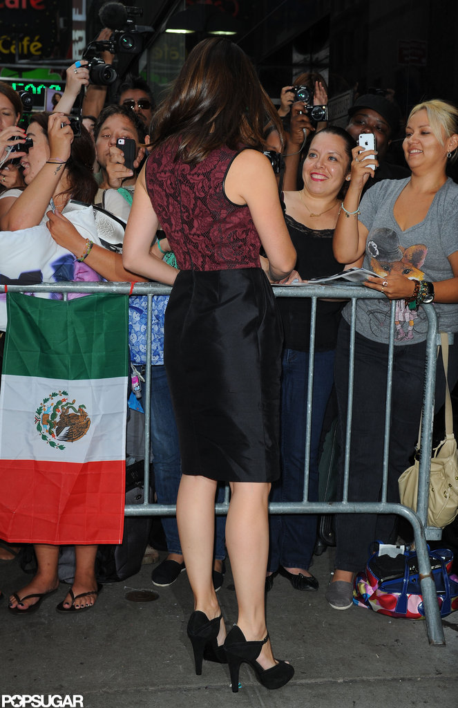 Jennifer Garner made time for fans before appearing on Good Morning America.