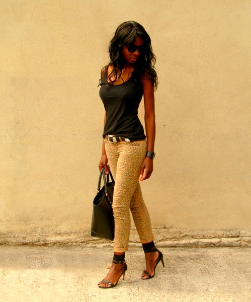 http://stylesbyassitan.blogspot.fr/2012/08/le-jeans-imprime-leopard.html