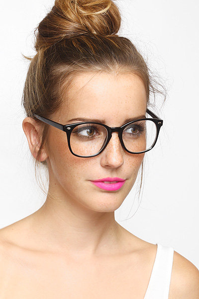 We love the circular shape of these nonprescription frames. BleuDame Sam Rounded Clear Glasses ($10)