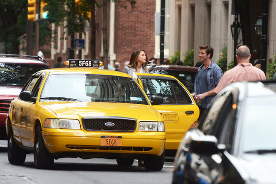 Amber Heard and Liam Hemsworth were spotted filming Paranoia in Philadelphia.