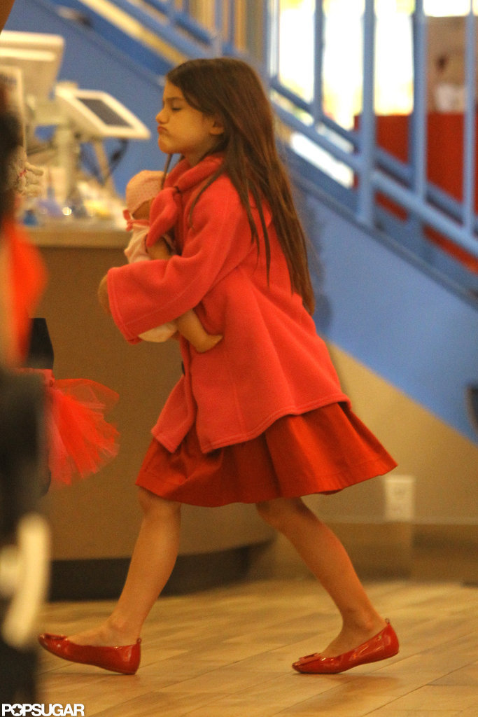 Suri wore an all-pink outfit.