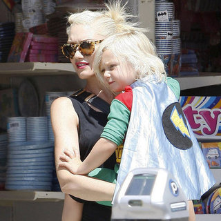 Gwen Stefani Shopping With Zuma