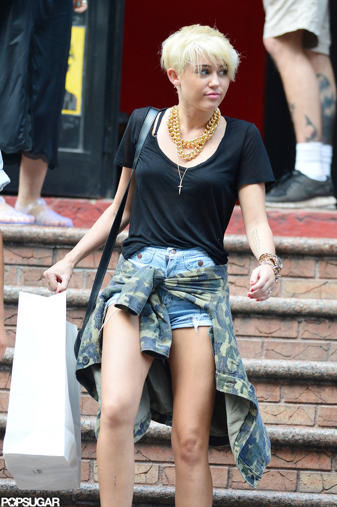 Miley Cyrus shopped in NYC.