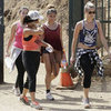 Celebrity Hiking With Sister in Runyon Canyon | Picture