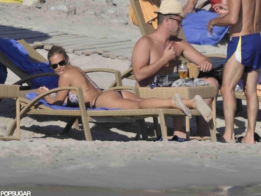 Bar Refaeli worked on her tan.