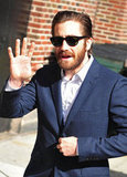 Hot Jake Gyllenhaal Suits Up For a Talk Show Stop