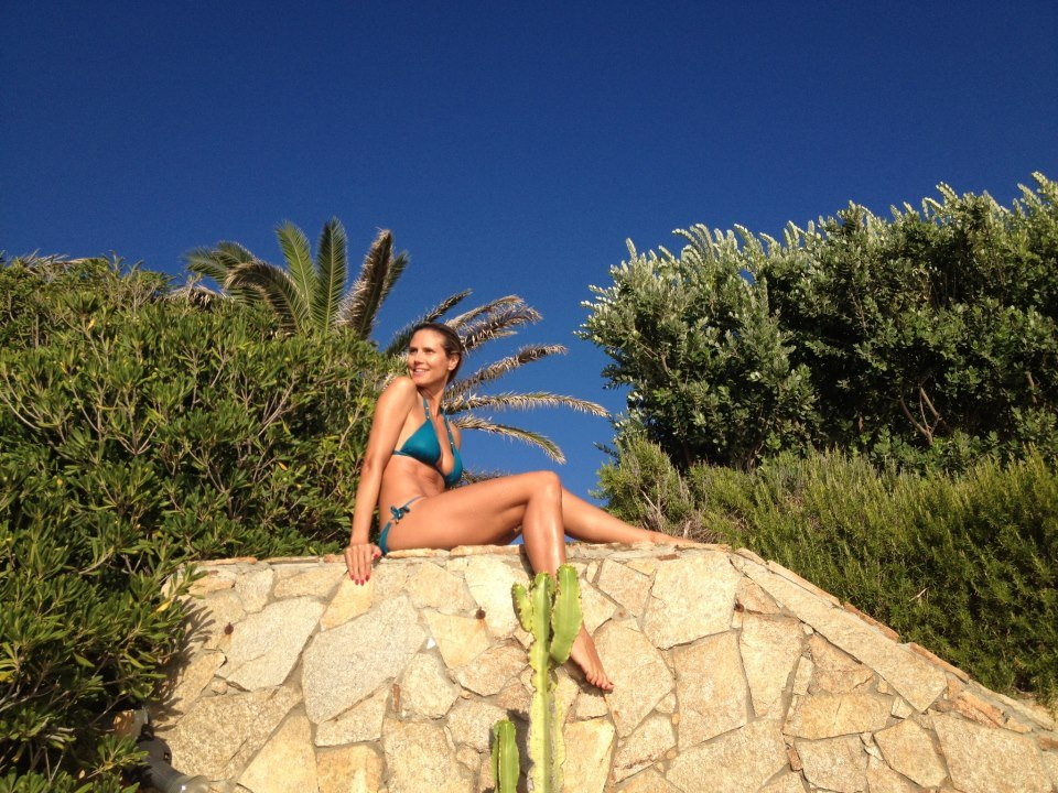 Heidi Klum showed off her bikini body in Sardinia.  Source: Heidi Klum on Facebook