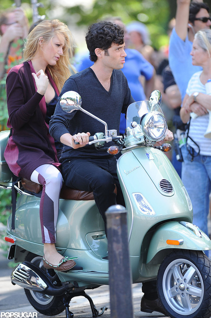 Blake Lively and Penn Badgley worked on a scene for Gossip Girl in NYC.