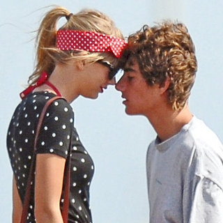 Celebrity Summer Romances 2012 (Video)