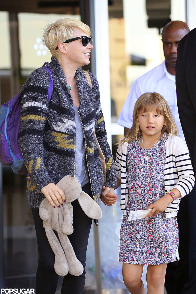 Michelle Williams and Matilda Ledger arrived in NYC both wearing sweaters.