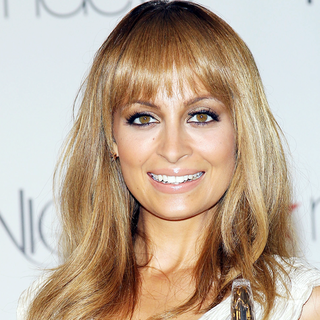 Nicole Richie Fragrance Launch 2012 (Video)
