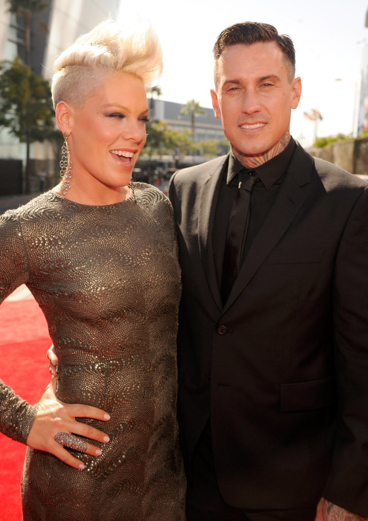 Pick posed with her husband Carey Hart.