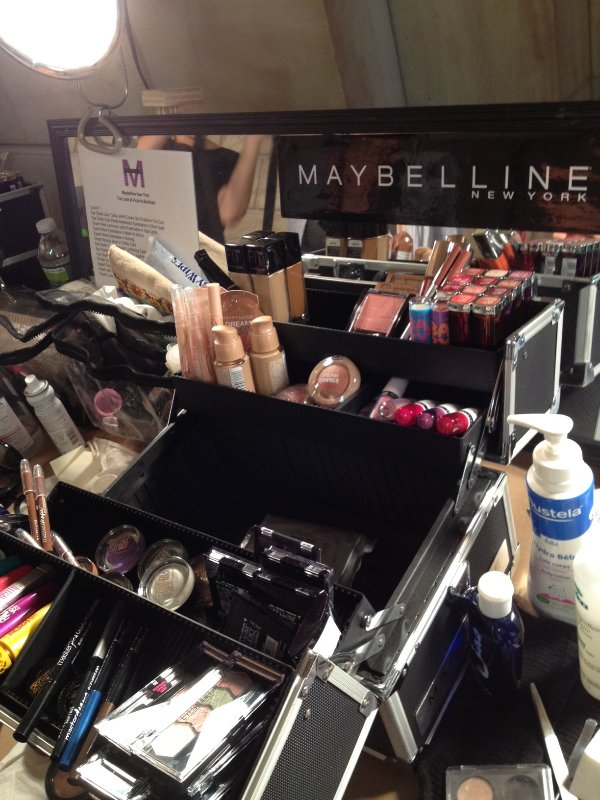 Makeup artist Diane Kendal for Maybelline created two looks, both very natural yet polished.  Source: BellaSugarUK