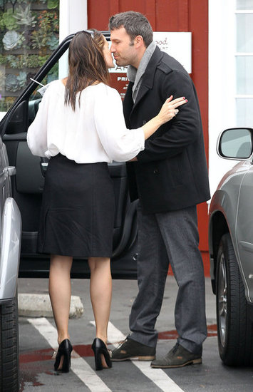 Ben Affleck and Jennifer Garner snuck a quick kiss.