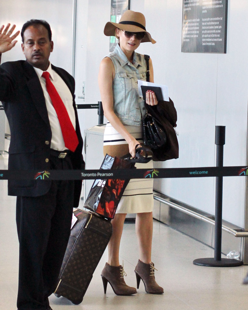 Diane Kruger carried her luggage.