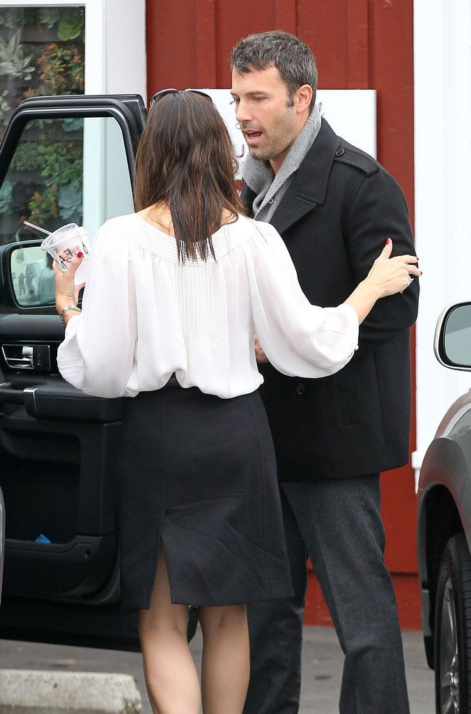 Ben Affleck and Jennifer Garner went back to their car after stopping at Brentwood Country Mart.