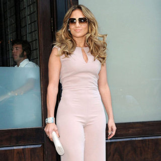 Jennifer Lopez and Casper Smart at a Fundraiser | Pictures
