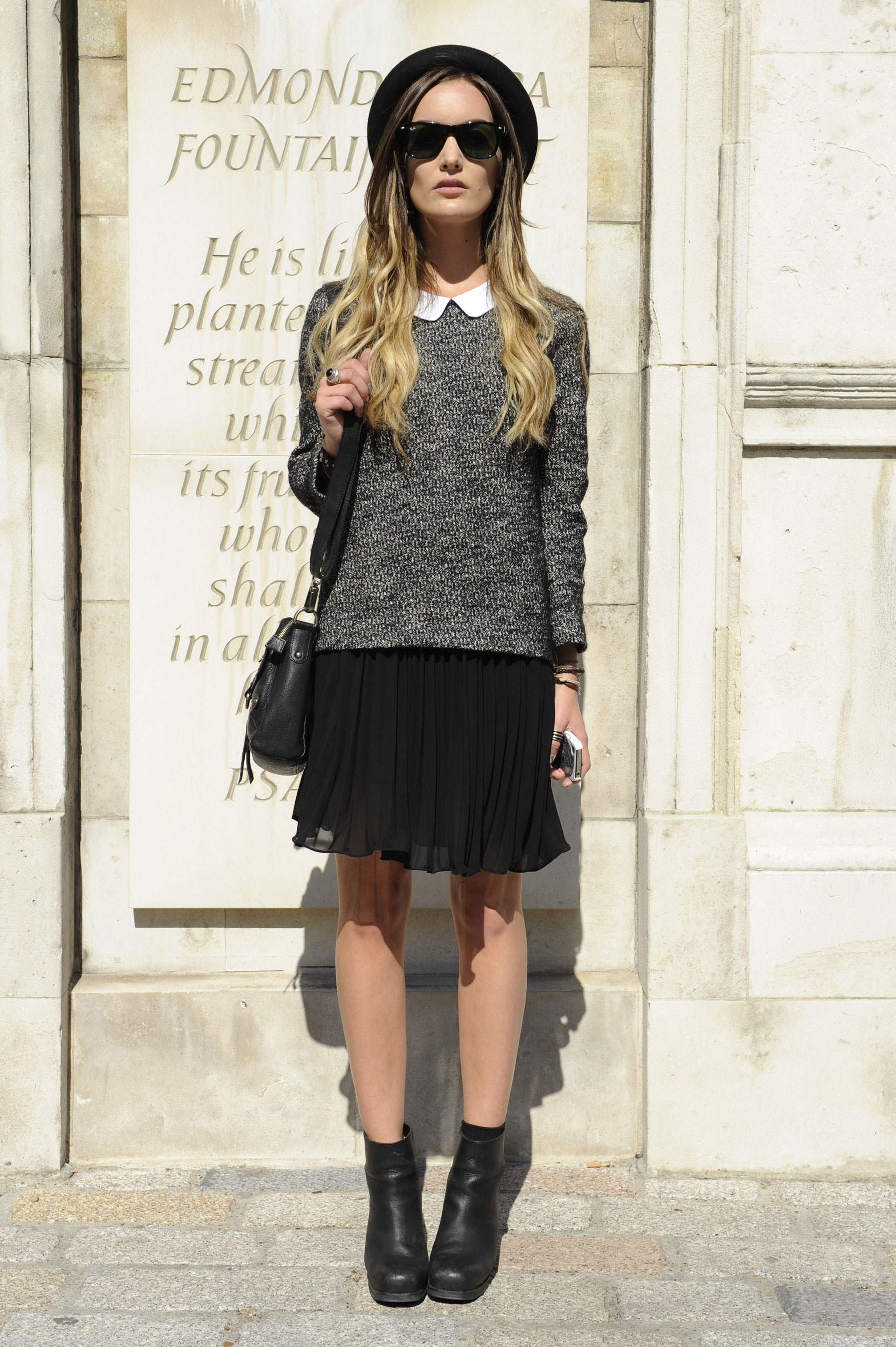 A classic Peter Pan collar set looks just a bit edgier when slick sunglasses and rocker-chic ankle boots are involved.