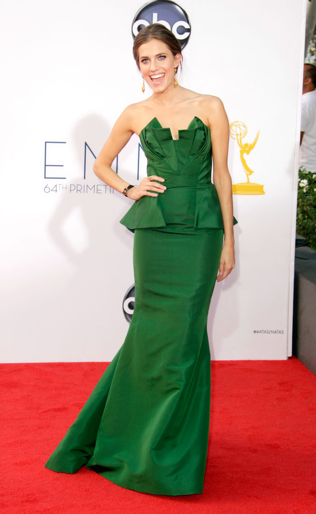 Allison Williams stepped onto the red carpet in a green gown.