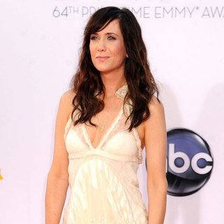 Kristen Wiig Wears Balenciaga to the Emmys 2012 | Pictures