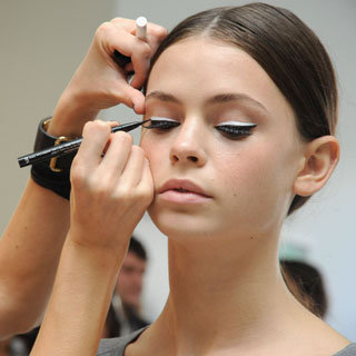 How to Apply False Eyelashes With These Makeup Artist Tips