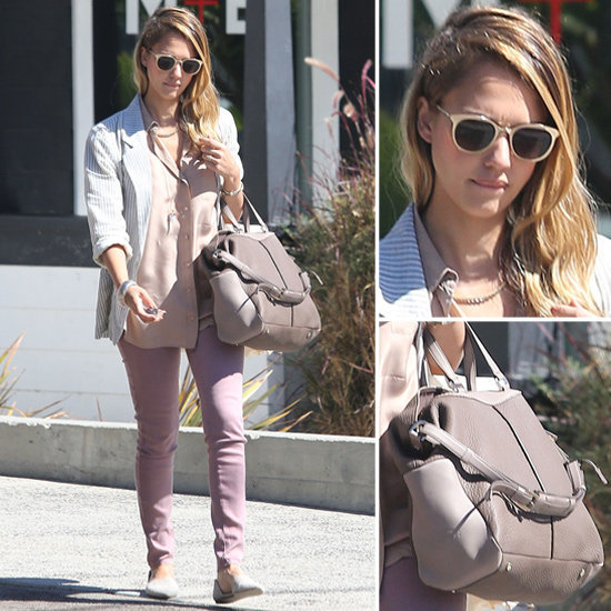 Jessica Alba&#039;s Two-Tone Tod&#039;s