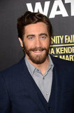 A bearded Jake Gyllenhaal smiled at his End of Watch premiere in LA.
