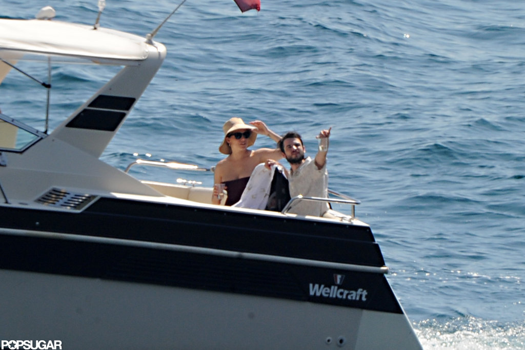 Tom Sturridge and Sienna Miller boarded a boat with baby Marlowe.