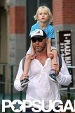 Sasha Schreiber got a ride on Liev Schreiber's shoulders in NYC.