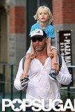 Sasha Schreiber got a ride on Liev Schreiber's shoulders in NYC.