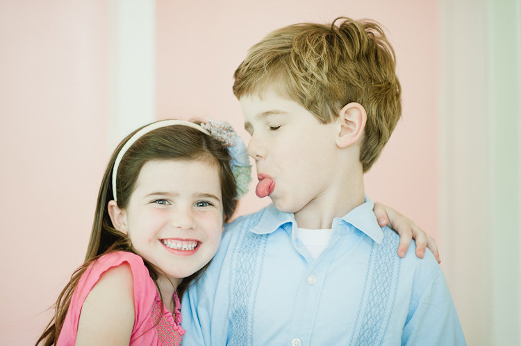 Shutterbug: 11 Tips For Photographing Siblings