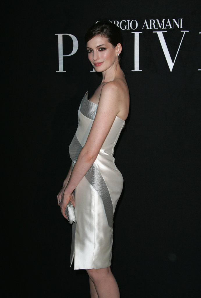 Anne Hathaway arrived at the Giorgio Armani Privé Haute Couture show as part of Paris Fashion Week in January 2010.