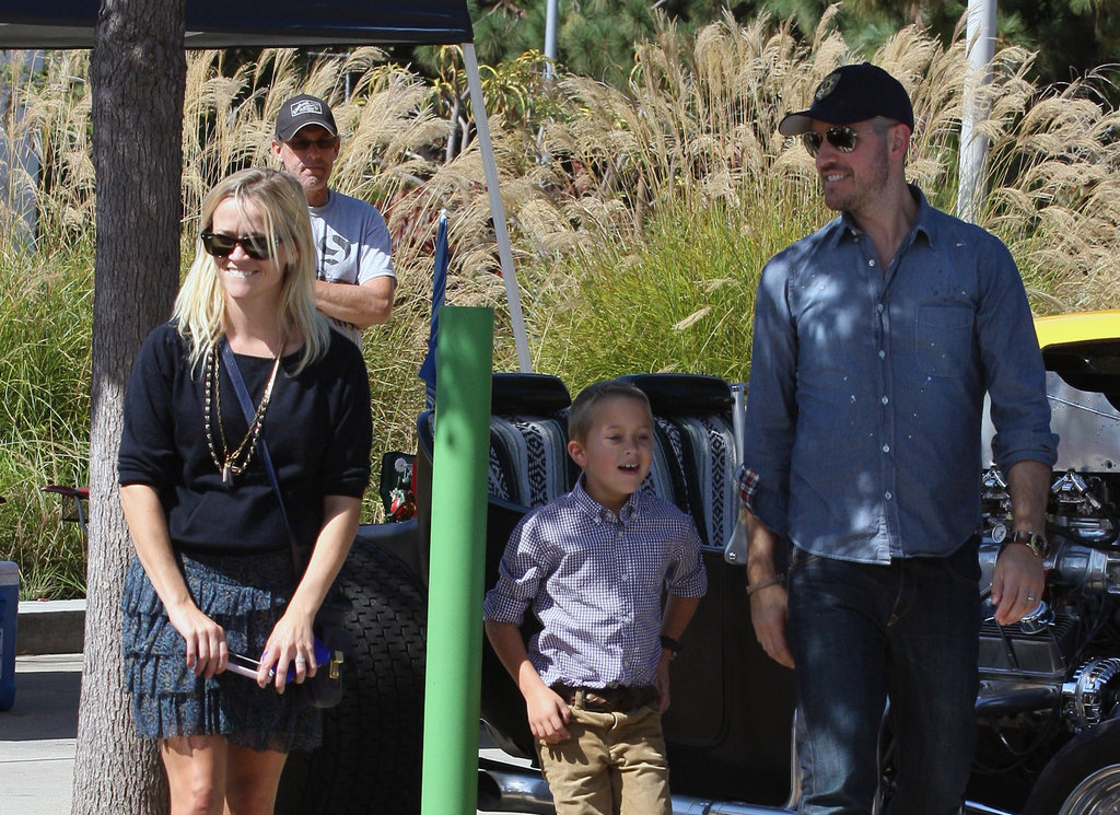 Reese Witherspoon and Jim Toth took Deacon out in LA in October 2011.