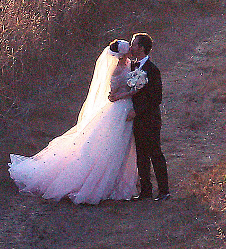 Anne Hathaway and Adam Shulman got married in Big Sur, CA, in September.