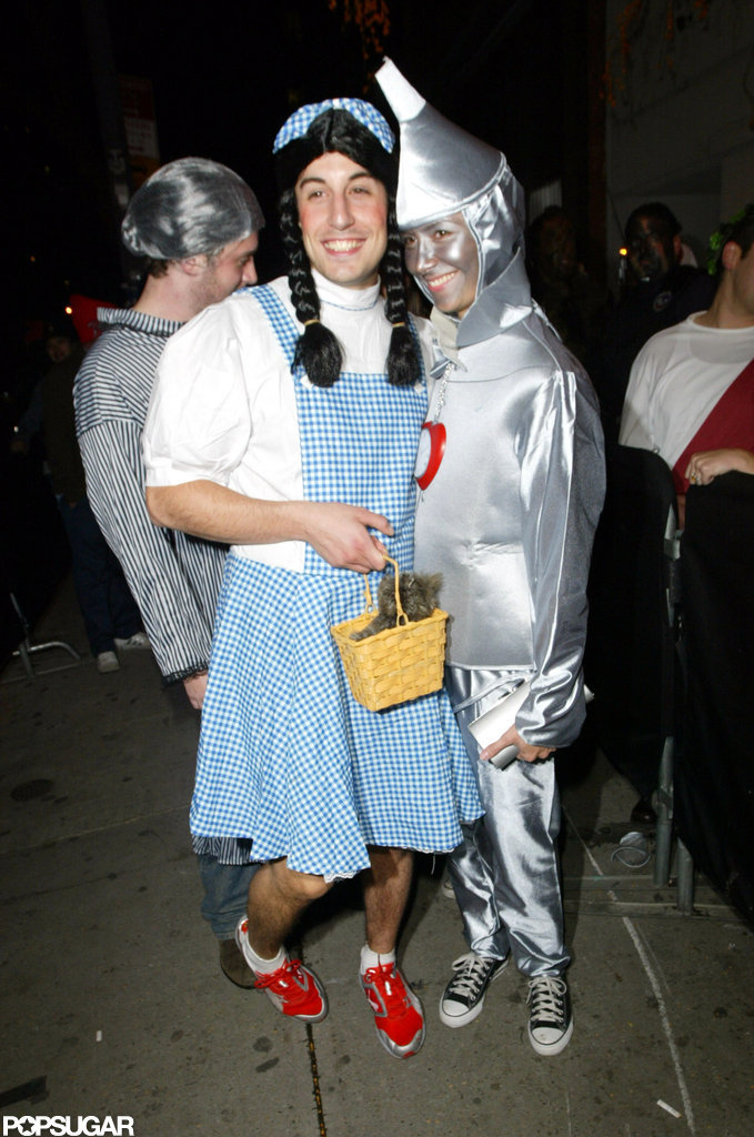 Justin Timberlake's 2005 bash in NYC brought out Jason Biggs and a friend.
