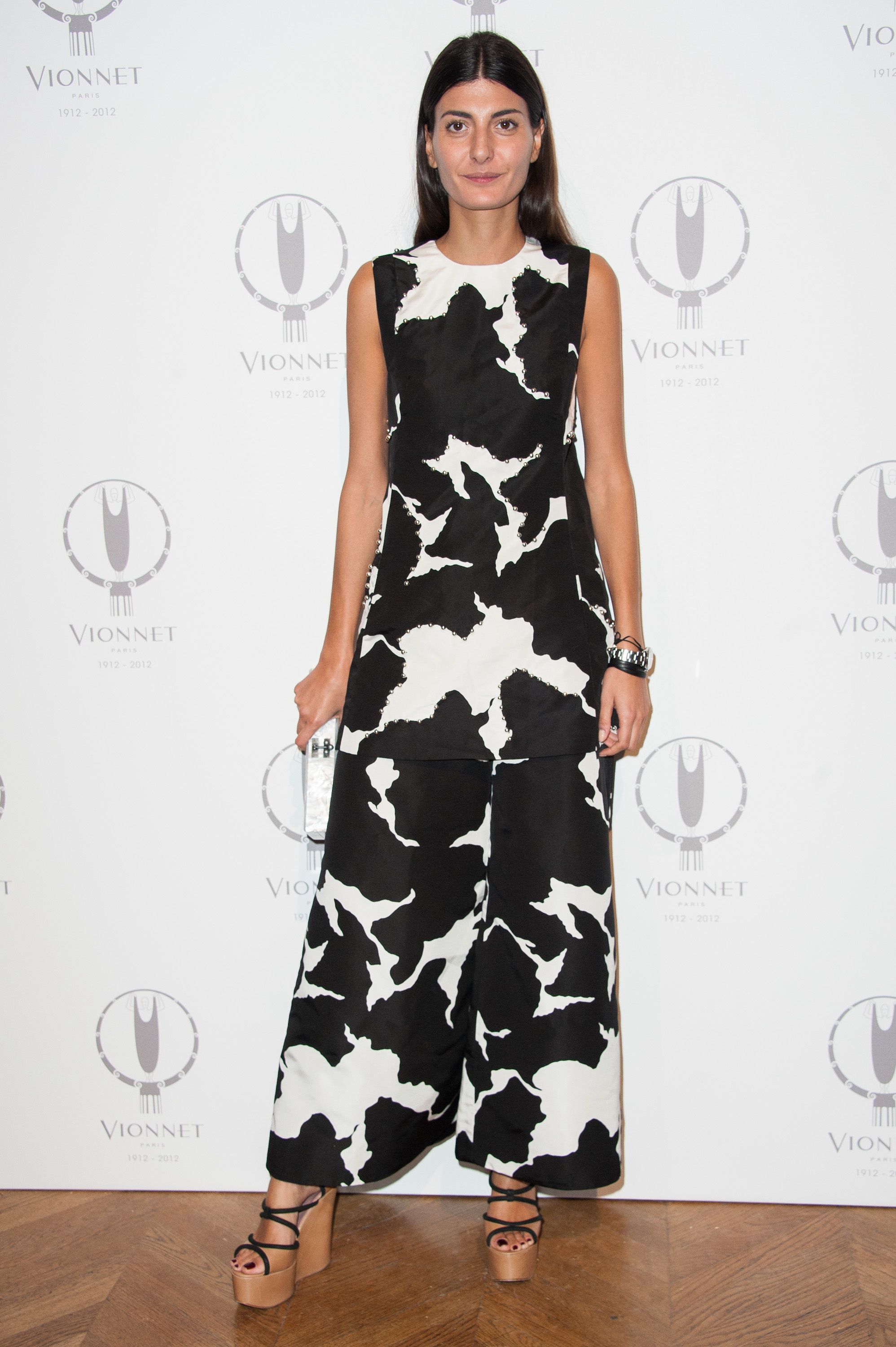 Giovanna Battaglia chose yet another printed look, this time in a modern jumpsuit design, for the Vionnet 100th anniversary.