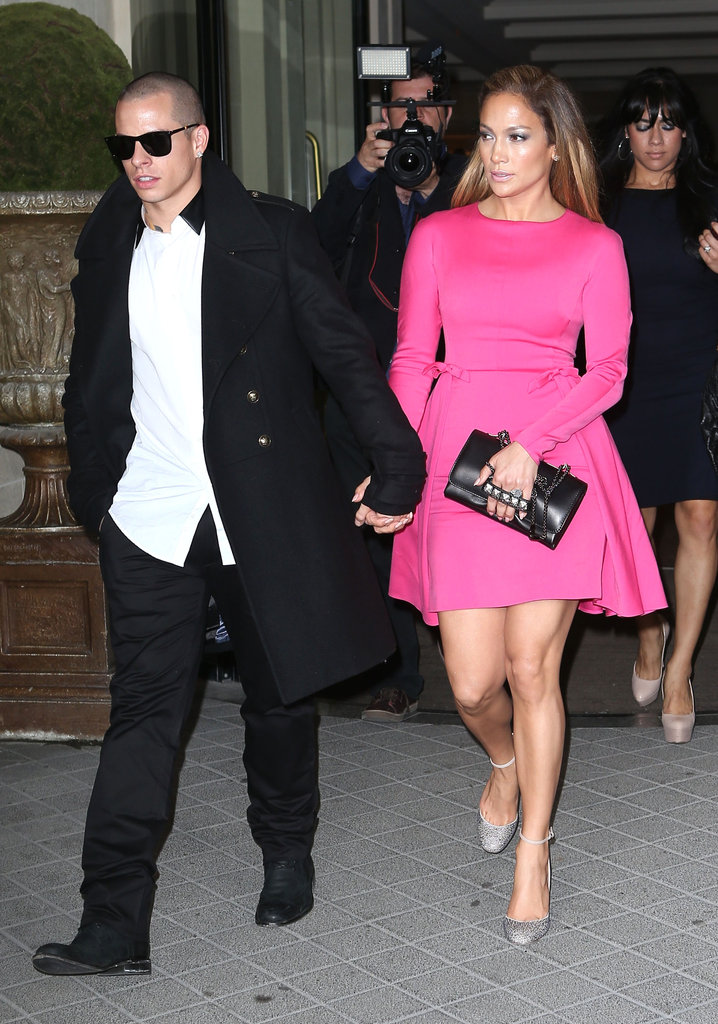 Jennifer Lopez held hands with Casper Smart.