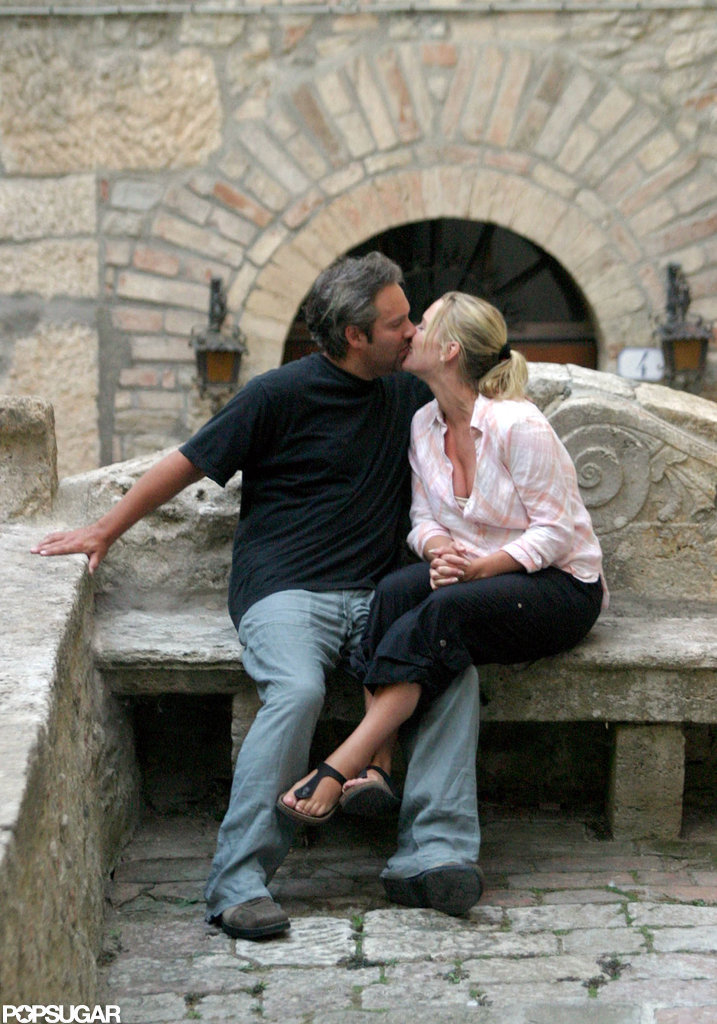 Kate Winslet and Sam Mendes shared a steamy kiss during a July 2003 visit to Tuscany.